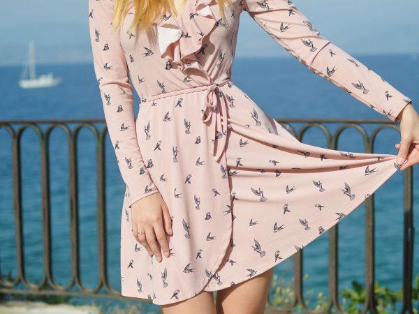 girl-pink-dress